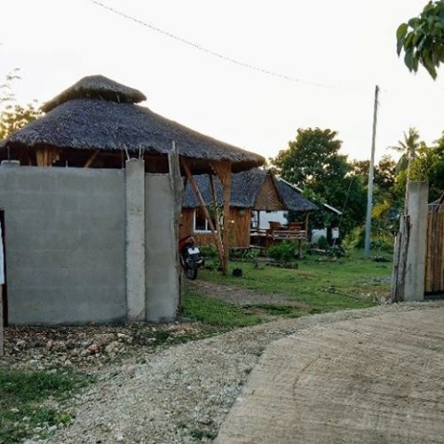 Villa Kawayan Supports Its Local Community by Constructing Bamboo Huts